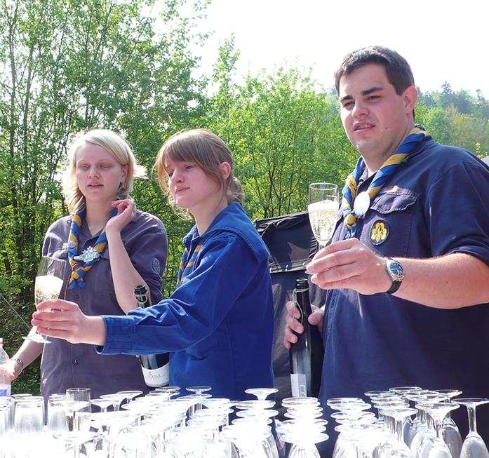 Sekt- und Saft-Empfang beim 60-jährigen Jubiläum 2009 im Pfadfinderzentrum Raumünzach